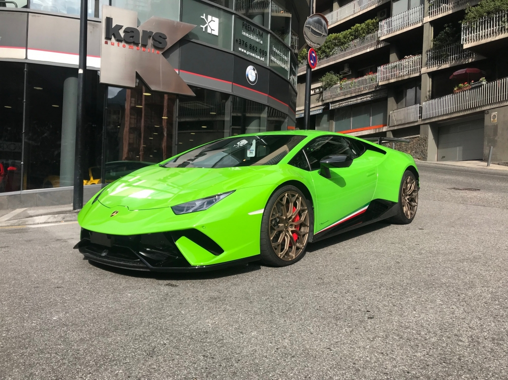 Lamborghini Huracan Performante LP-640-4